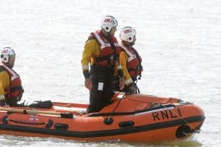 Lifeboat called to stranded fishermen