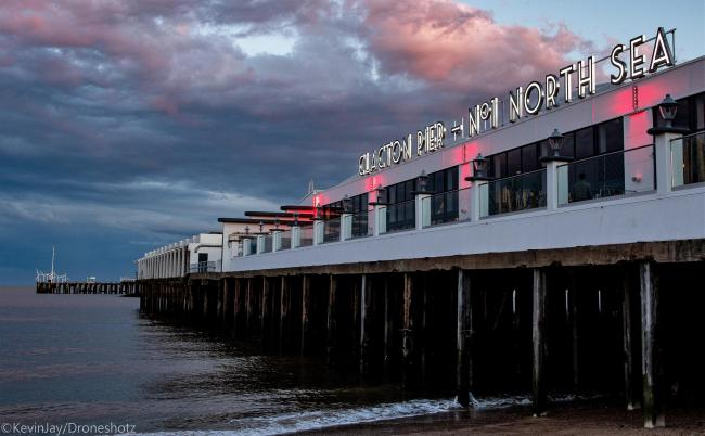Pier goes pink to support organ donor awareness week