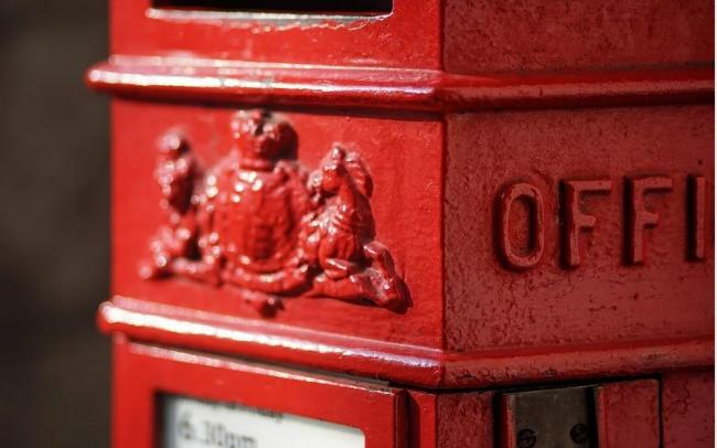 Letter: Young unsung heroine at post office was first class