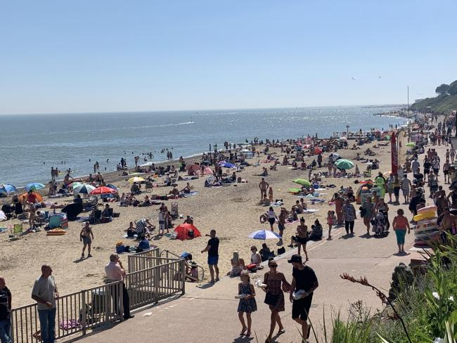 Thousands flock to seaside as temperatures soar higher than Lanzarote