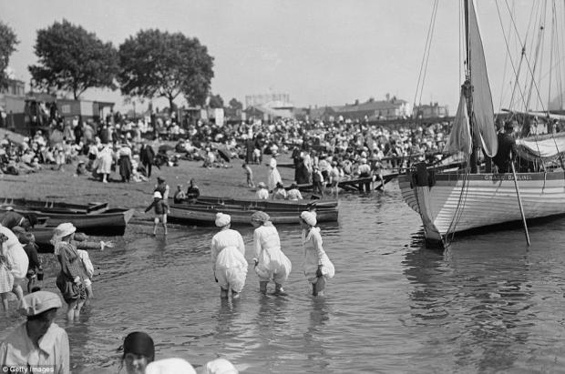 Clacton and Frinton Gazette: And for real history buffs...Southend in the 1920s