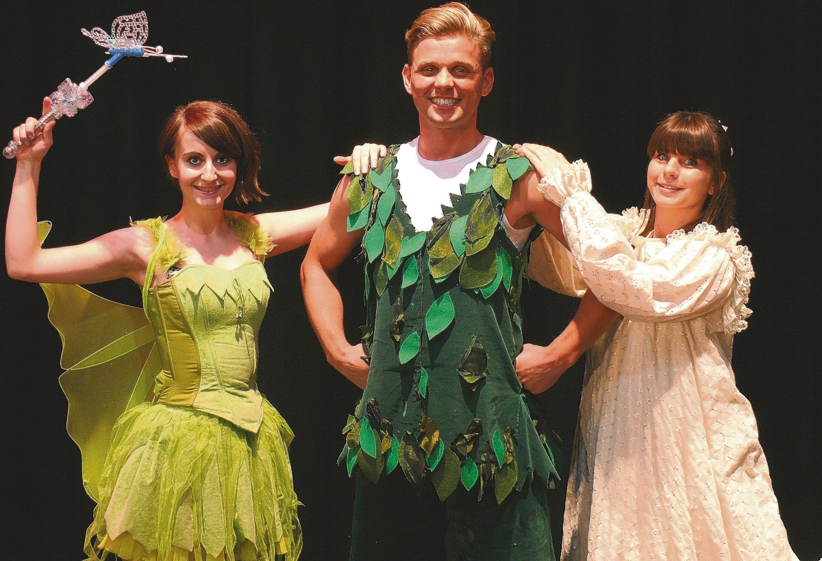 Professional panto signs up for another three years in Clacton