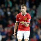 Clacton and Frinton Gazette: Manchester United's Tom Cleverley is staying at Old Trafford