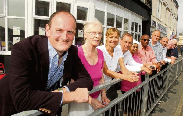 Former Tory Party members join Douglas Carswell