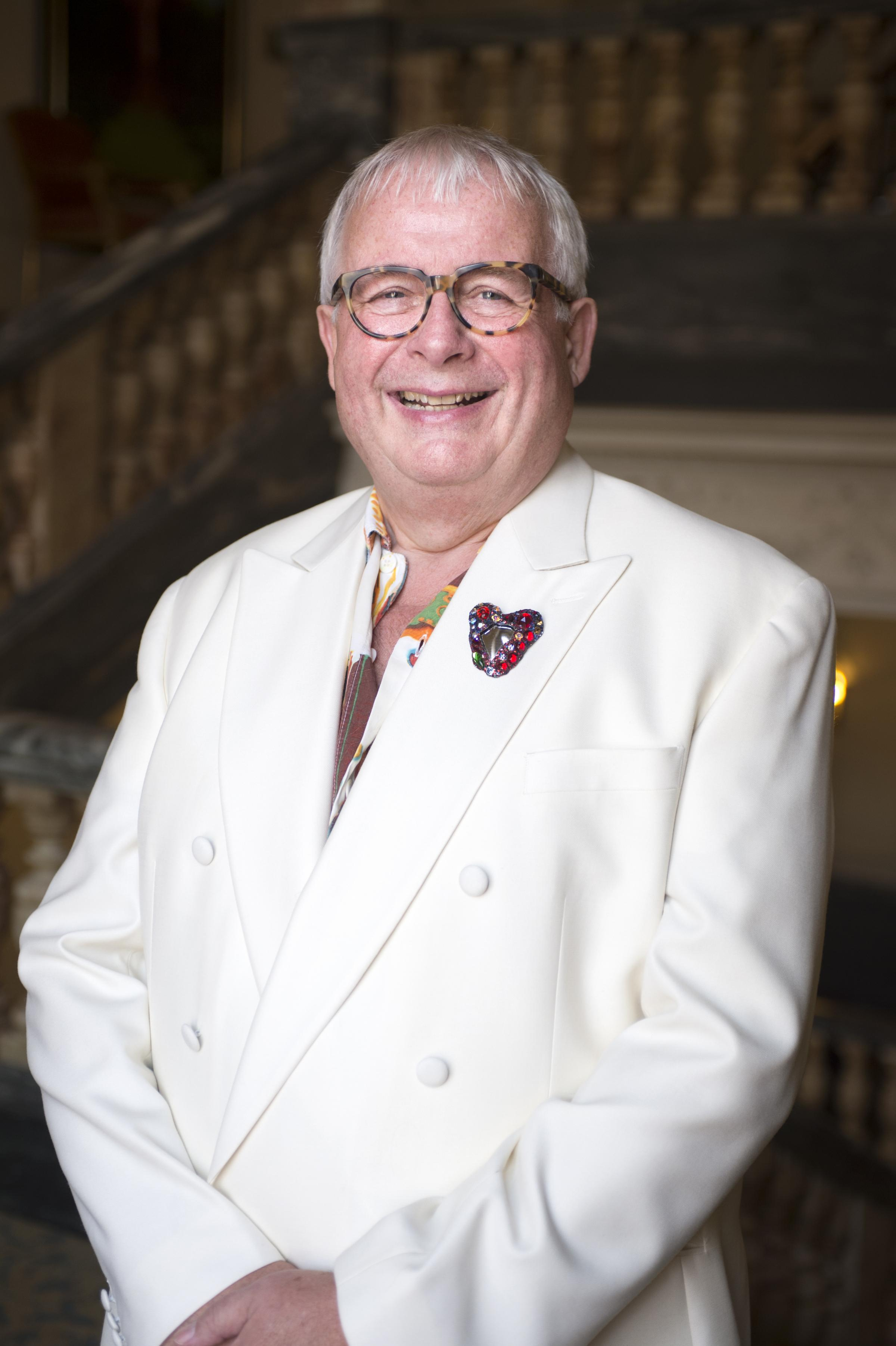 Grand dame - Christopher Biggins