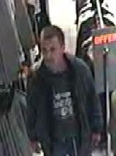 Crook steals from the same clothing shop twice in the same week