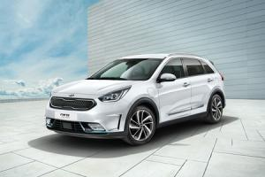 THE NEW, LOW-EMISSION HYBRID CROSSOVER FROM KIA