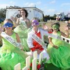 Clacton and Frinton Gazette: Walton Carnival.Walton Carnival Court Saskia Ridley, 16, queenHope Spears, 8, Daniel Dixon, 9, and Ophelia Cavana, 7, prince and princesses
