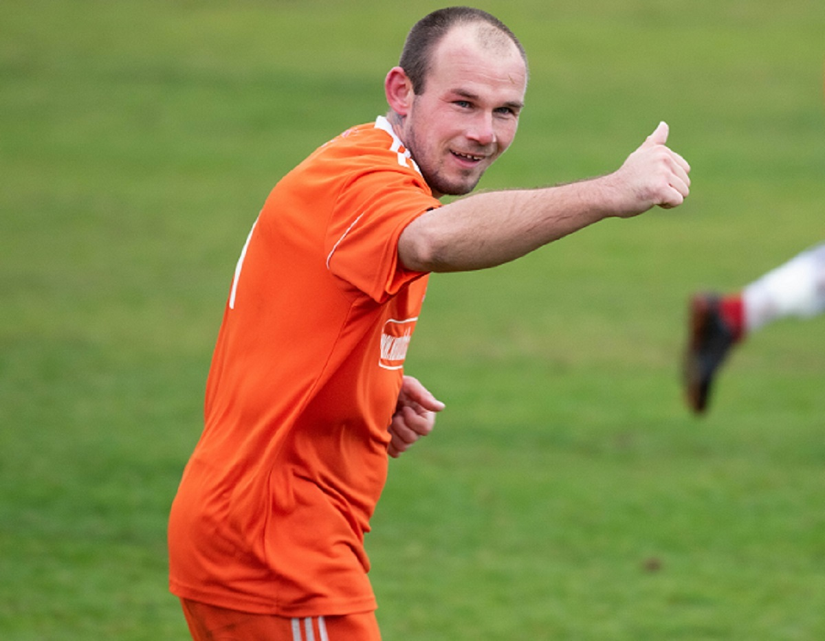 Record breaker - Holland striker Steve Eaton Picture: Kevin Mills Photography